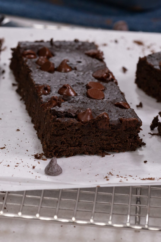 Fudge Brownie Protein Bars Above